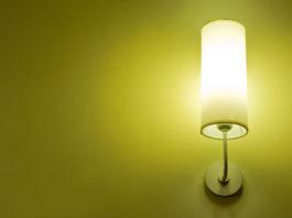 wandlamp ophangen